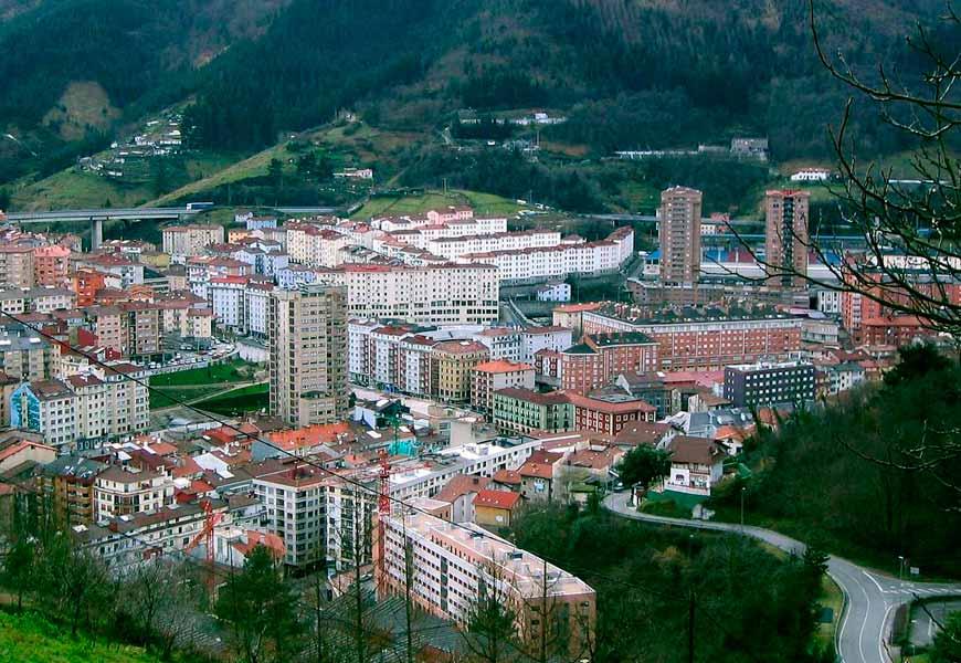 Panoramica de la ciudad de Eibar (Gipzukoa)