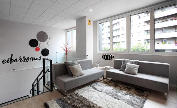 EIBARROOMS, alojamiento de ubicación céntrica, discreto, práctico y acogedor